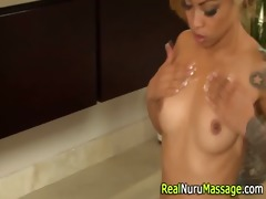 oriental masseuse gives bj