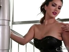 sunny leone sex movie scenes in hawt blue