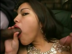 indian playgirl in double penetration act