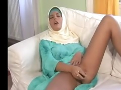pretty large boobs arab wife bonks her chap 9x