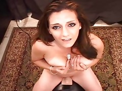 arabian whore pops her cookie on sybian!