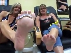 western womans large nordic feet vs eastern