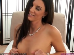 sultry india summer giving a sensual mother id