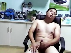chinese bear lad jerkoff cumshot